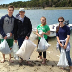 4 kids beach cleanup