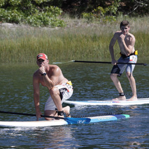 2 paddle boarders